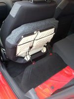 Polo_rearseat_holding